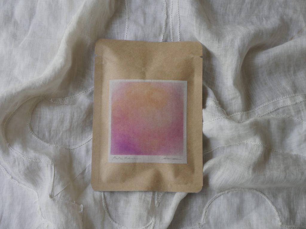 マゼンタのお茶の写真