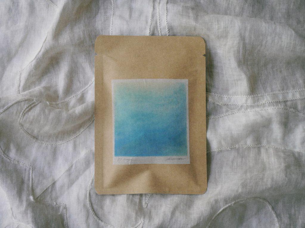 ブルーのお茶の写真