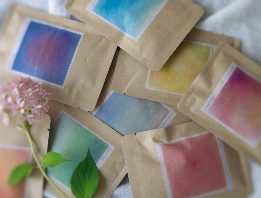 色心茶8色のお茶の写真